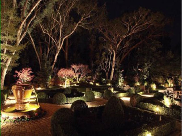 Personal Touch Landscape - Outdoor Lighting 02